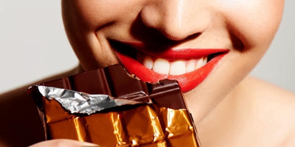 comer chocolate te hace feliz