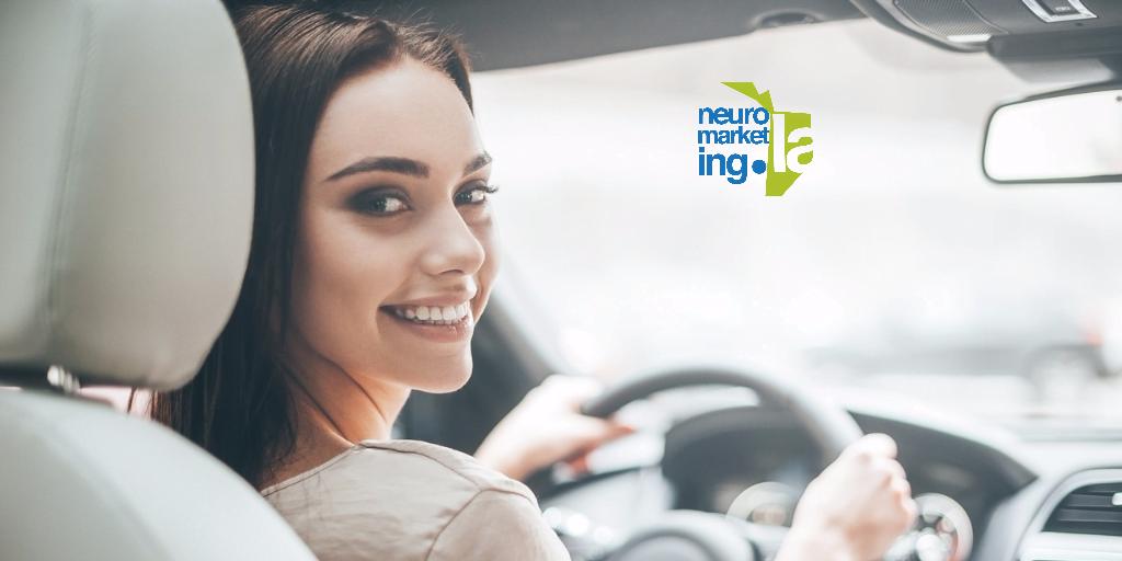 Por qué la influencia en los sentidos durante un test drive te hacen comprar un carro